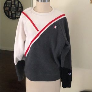 Champion Oversized Colorblock Sweatshirt